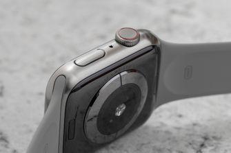 Apple Watch Series 5 titanium 001