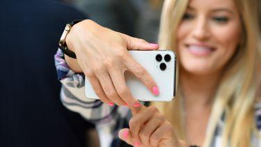 iPhone 11 Pro lifestyle 16x9