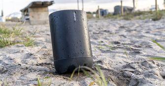 Sonos Move op het strand