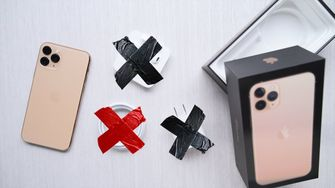 iPhone 12 zoner oplader en koptelefoontje