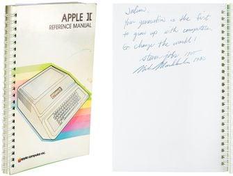 Apple II handleiding, getekend door Steve Jobs