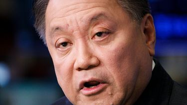Hock Tan Broadcom CEO Apple