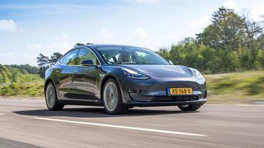 Tesla Apple Music CarPlay