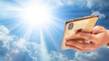 iPhone in de zon - hittegolf
