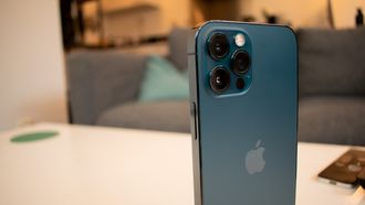 iPhone 12 Pro iOS 15