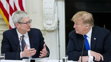 Tim Cook Donald Trump made in China