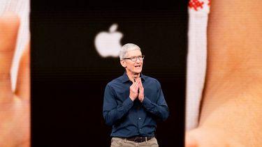 Tim Cook Apple iPhone 11 16x9