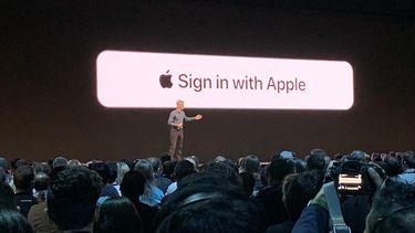 'Sign in with Apple'