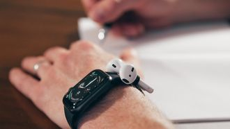 AirPods Apple Watch AirBands
