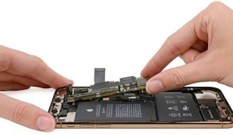 iPhone Xs Teardown 001