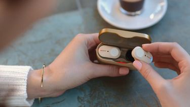 Sony noise cancelling airpods