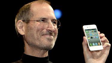Steve Jobs introduceert de eerste iPhone